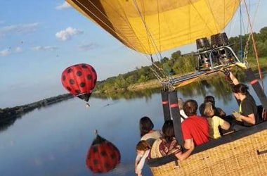 How many passengers are in a balloon ?